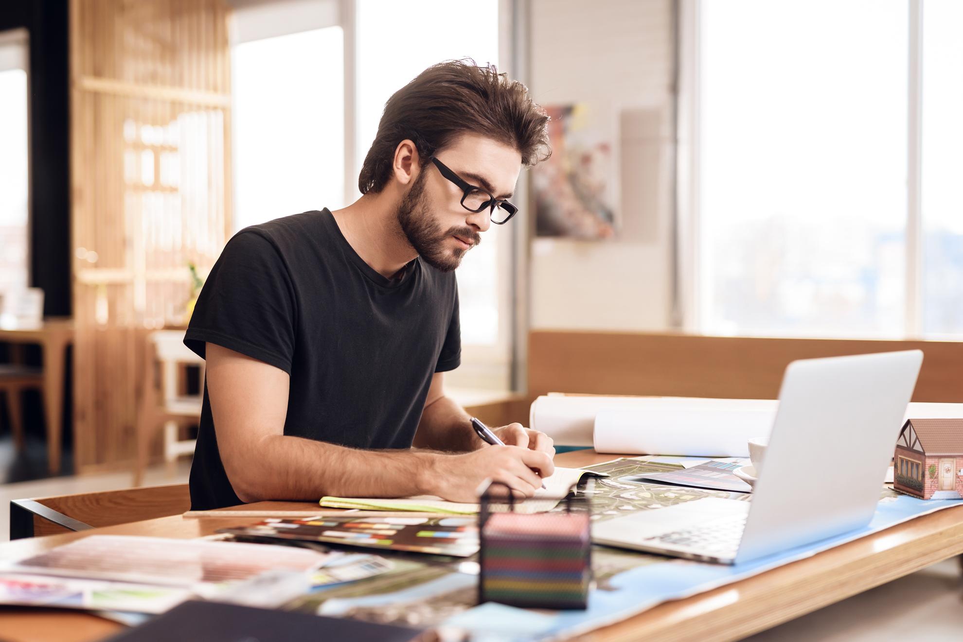 designer kelton digital marketing grafica vectoriala