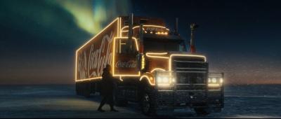 Campania Coca Cola cu traditionalul camion de Craciun.